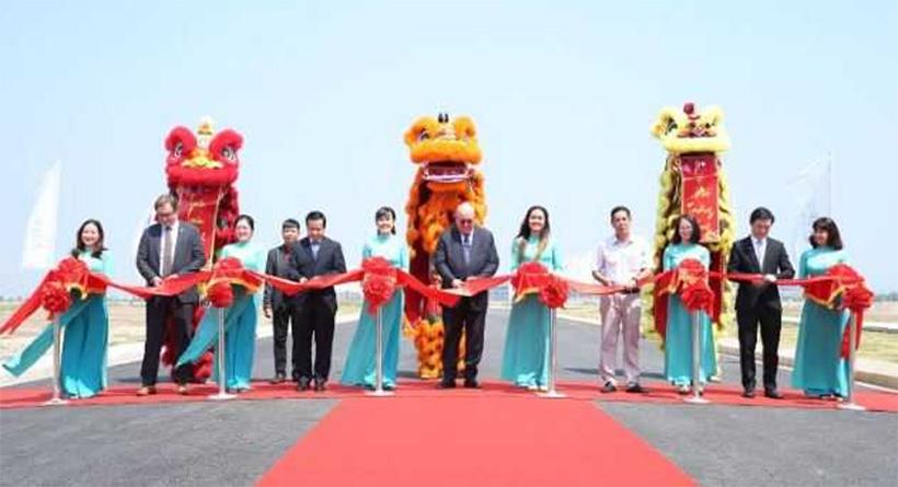 Строительство дороги с применением отходов пластмасс завершили во Вьетнаме