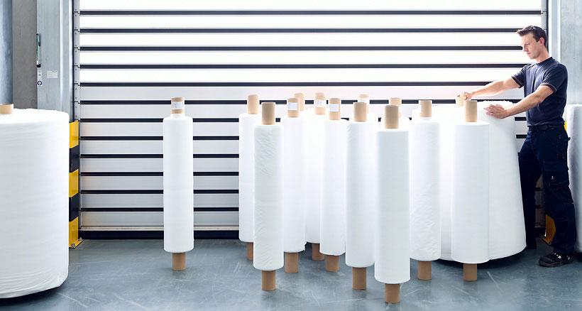 Reifenhäuser Reicofil поставляет технологии для производства нетканого материала (СМС) – комбинации спанбонда и мельтблауна для медицины (Фото: Reicofil)