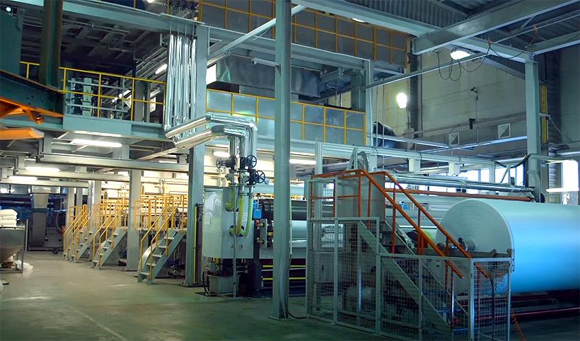 Производственная линия компании «Гекса-нетканые материалы» в Тверской области по выпуску полимерных нетканых материалов
