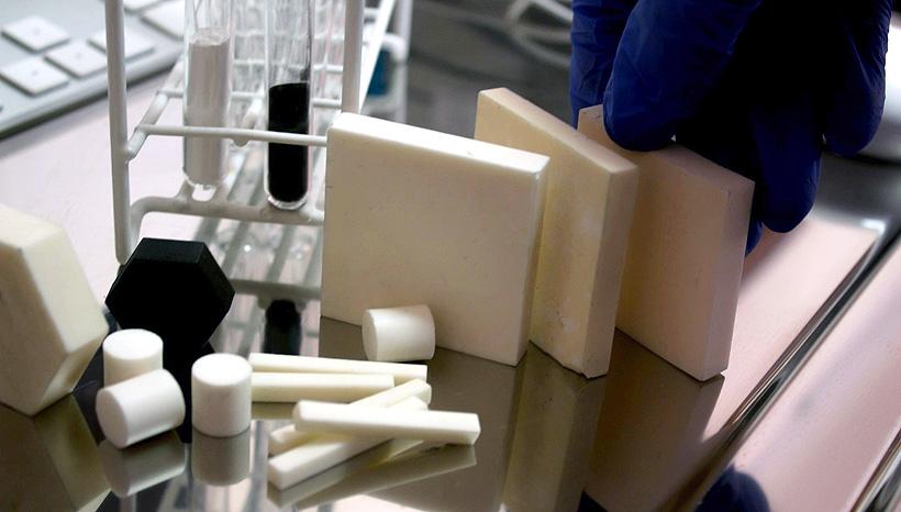 Образцы материалов, разработанных в Научно-образовательном инновационном центре «Наноматериалы и нанотехнологии» ТПУ