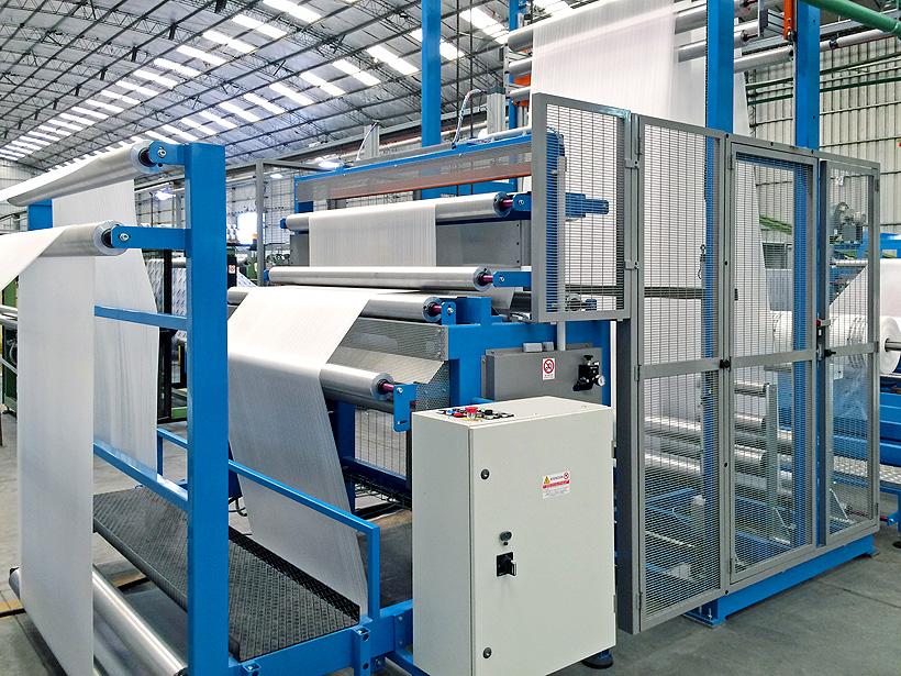 Процесс ламинирования материалов может происходить с помощью двух систем FAP: горячего воздуха и горячего валка