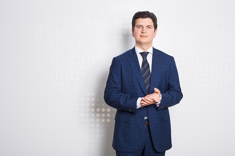 Александр Петров, ранее занимавший должность управляющего директора по экономике и финансам, назначен управляющим Дирекцией пластиков, эластомеров и органического синтеза