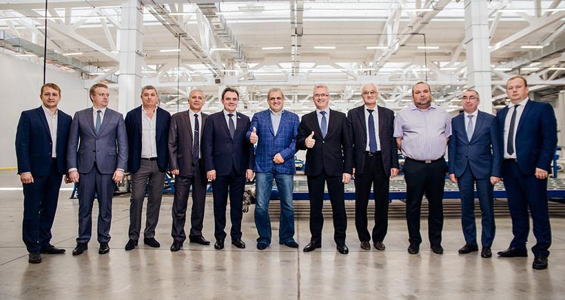 Руководство «Кузнецкий технопарк» на открытии первой очереди завода «ФомЛайн» по производству эластичного пенополиуретана и матрасов