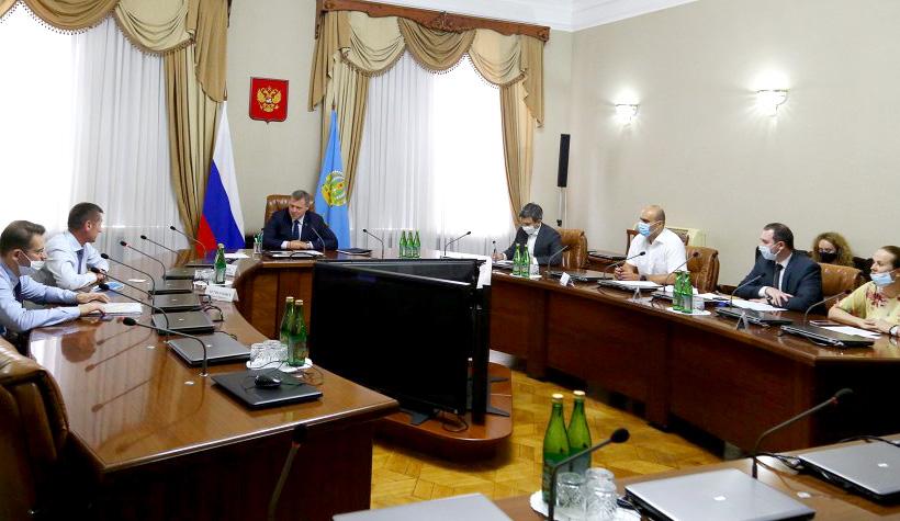 Директор «Каспийской Инновационной Компании» Сергей Штепа и губернатор Астраханской области Игорь Бабушкин провели рабочую встречу