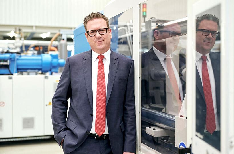 Фолькер Ниллес, руководитель подразделения «Новые машины». Фото: KraussMaffei