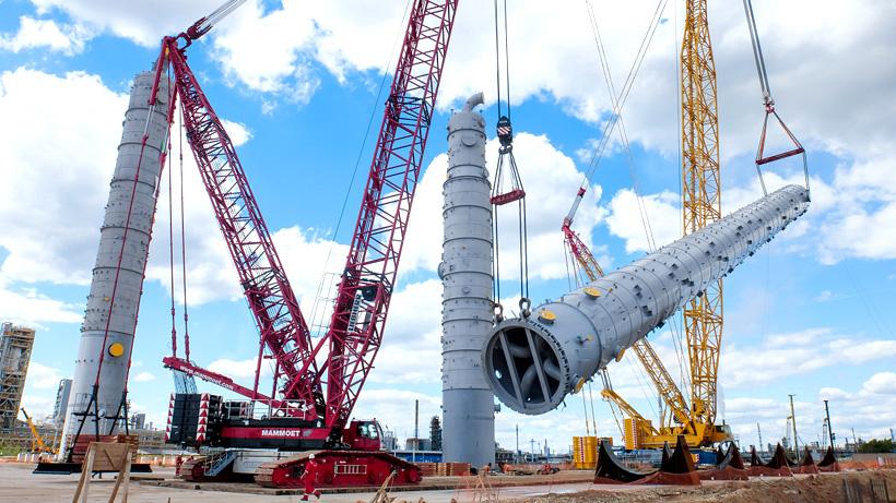 Колонна DA036-01 высотой 96 метров и весом 480 тонн необходима для выделения товарного пропилена. Фото: «Нижнекамскнефтехим»