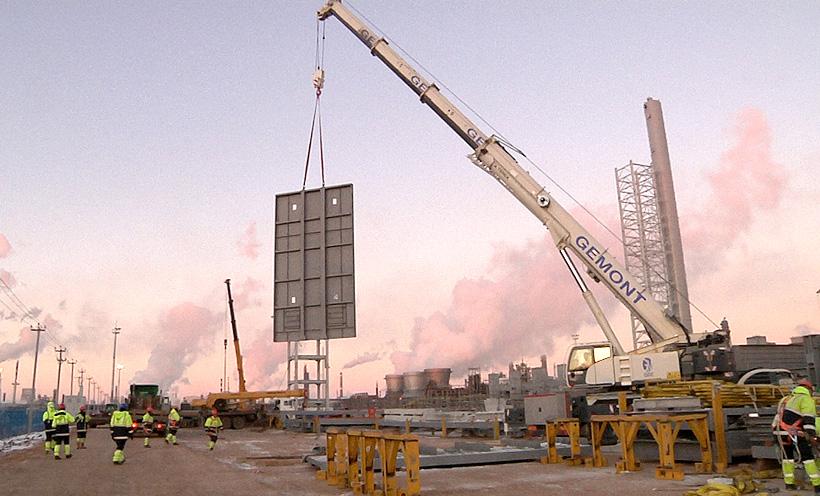 Монтаж печей пиролиза на строящемся комплексе по производству этилена ЭП-600 «Нижнекамскнефтехим»