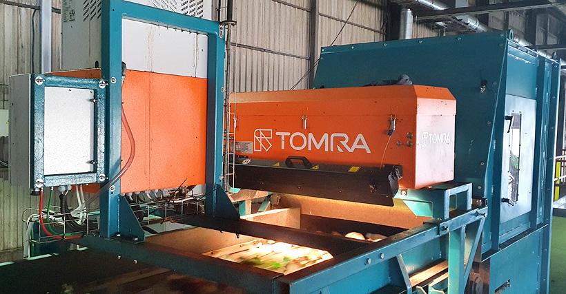Новые сепараторы компании Tomra позволяют сортировать упаковку по типу полимеров и по цвету при помощи спектрометров