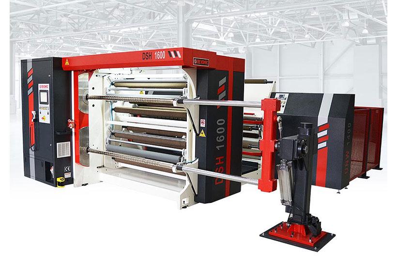 Бобинорезательный станок Revomac Machinery модели DST компании для продольной резки рулонного материал. «Политэкпром» а