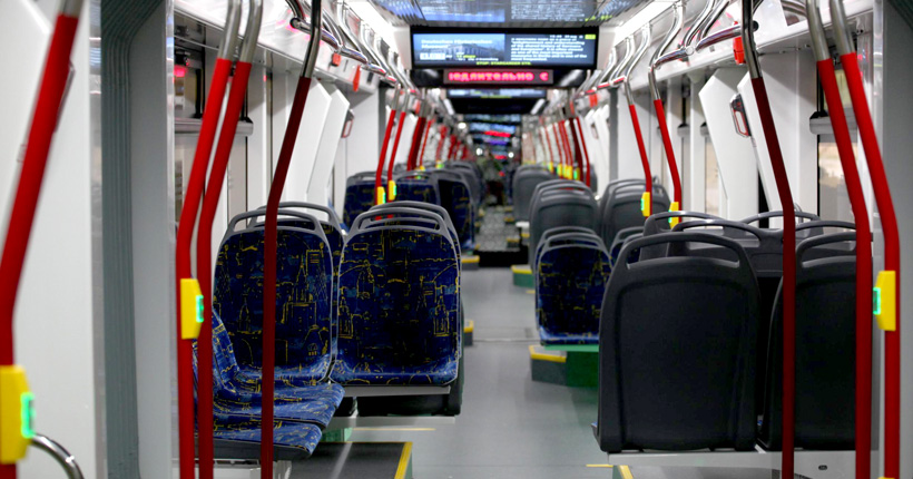 Салон трамвайного вагона Лев, 71-934. Фото: ПК Транспортные