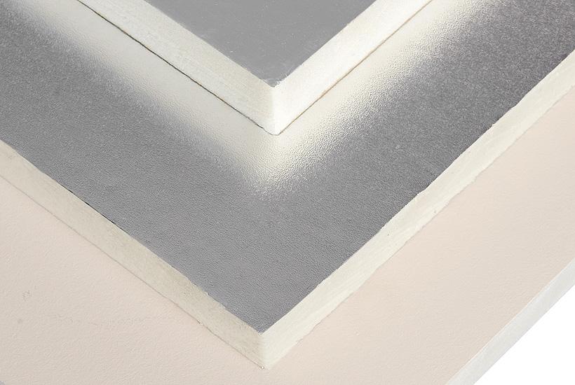 Теплоизоляционные плиты из ПИР значительно превосходит по своим техническим характеристикам традиционные теплоизоляционные материалы. Более 95% объема материала – это закрытые жесткие прочные ячейки, образованные в результате реакции полиола с изоцианатом