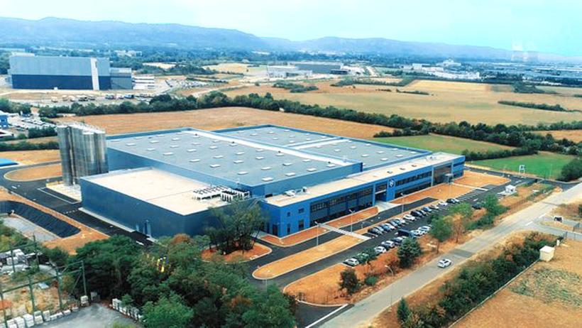 Завод Georg Utz в Сен-Вюльба во Франции по производству полимерной тары, складских и транспортных контейнеров