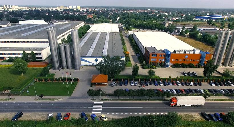 Завод по выпуску оконного профиля из ПВХ компании VEKA в Польше
