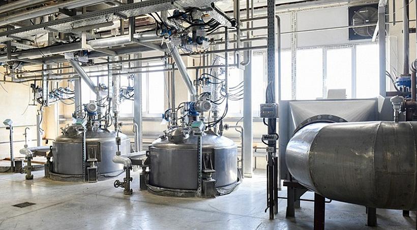 Вяземский завод синтетических продуктов инвестировал в техническое перевооружение. Фото: Администрация Смоленской области