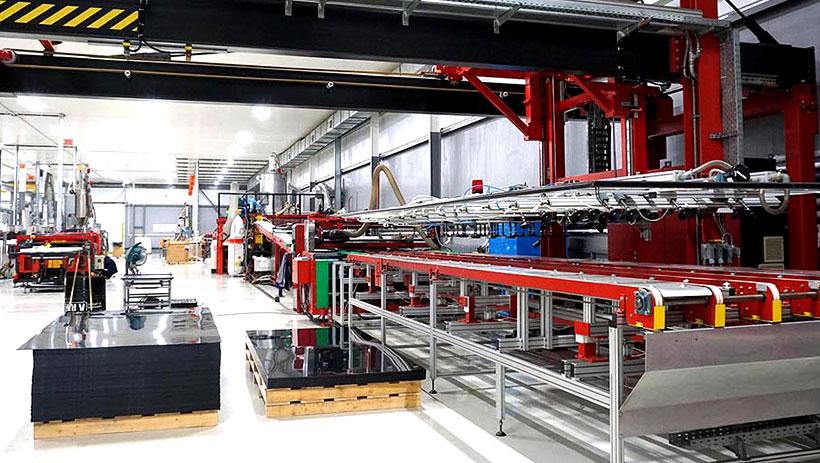 Линия Plastmass Group для производства листов из сверхвысокомолекулярного полиэтилена высокой плотности