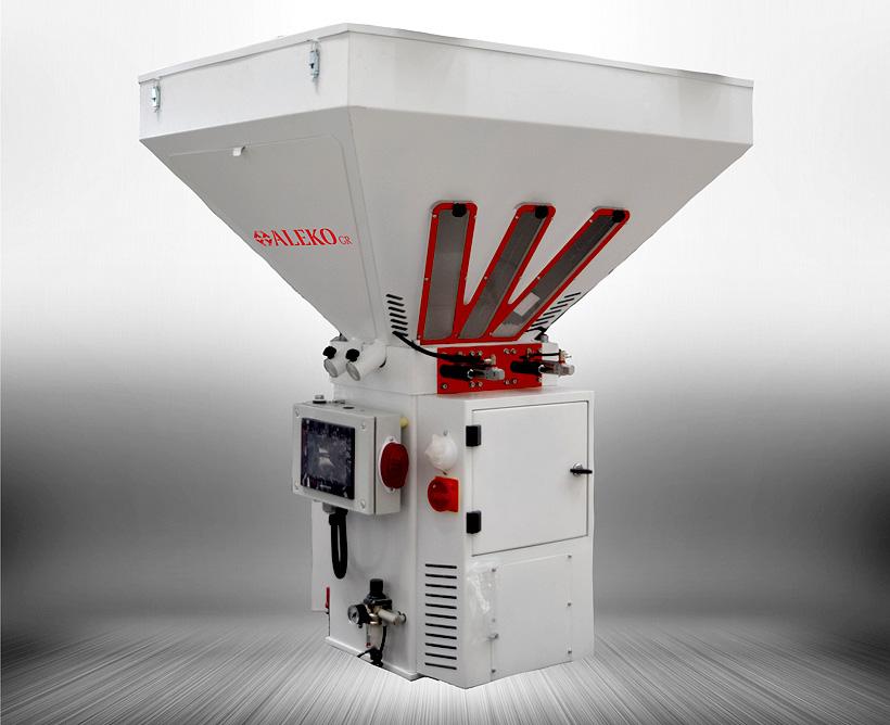 Гравиметрический (весовой) дозатор полимеров производства «Алеко Машинери» имеет точность дозирования партии – 0,04%;
