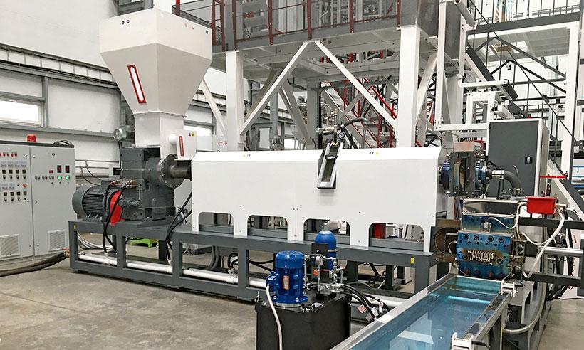 Новый каскадный гранулятор стренгового типа производства «Алеко Машинери» модели PLR 120/110 ST может перерабатывать до 300 кг/ч вторичных пластмасс