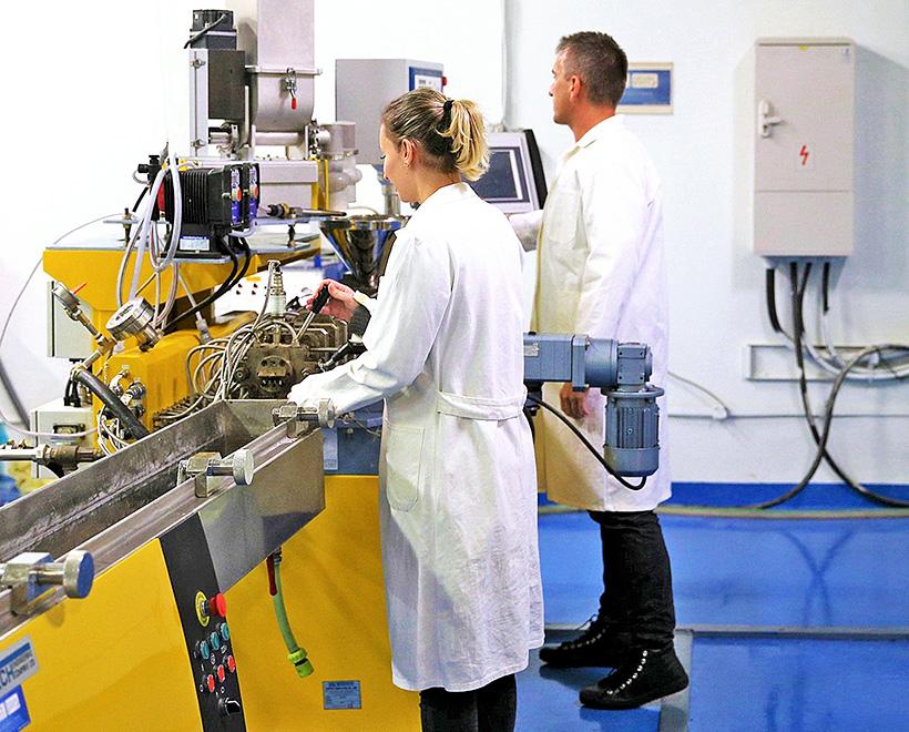 Компания Panara проводит исследования в области биополимеров с 2006 года и недавно представила на рынке биополимер под торговой маркой Nonoilen, который полностью производится с использованием возобновляемых ресурсов
