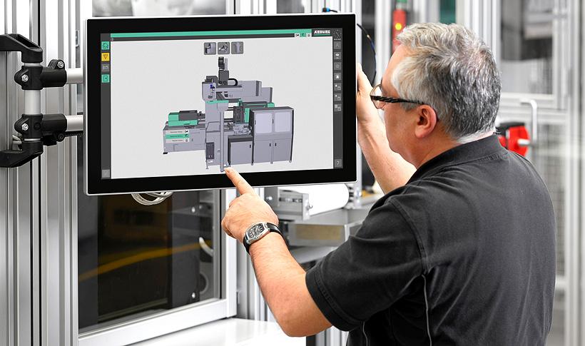 В рамках полностью автоматизированного производства питьевых стаканчиков система SCADA Arburg Turnkey Control Module (ATCM) визуализирует все необходимые данные о процессе и качестве