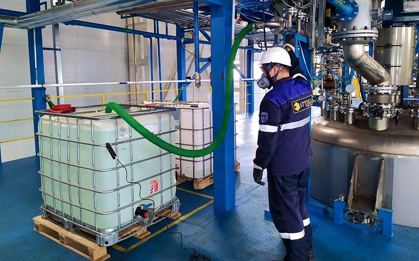 Участок по производству полиэфирной смолы на заводе «Аттика» в Ленинградской области