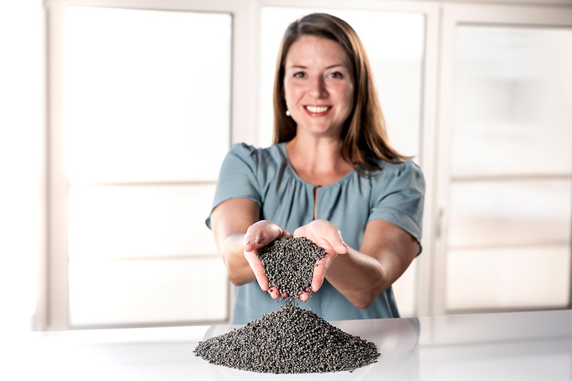 Добавки IrgaCycle производства BASF предназначены для улучшения качества полиолефинов, полученных переработкой бытовых и промышленных отходов, с целью повторного использования в жестких и гибких упаковках и литьевых применениях