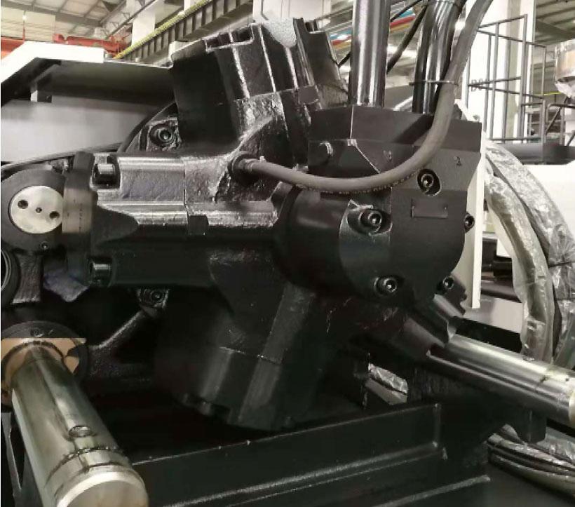 Термопластавтомат Chen Hsong JETMASTER 1000-MK6 4500cc с максимальным крутящим моментом 2547,5 нм