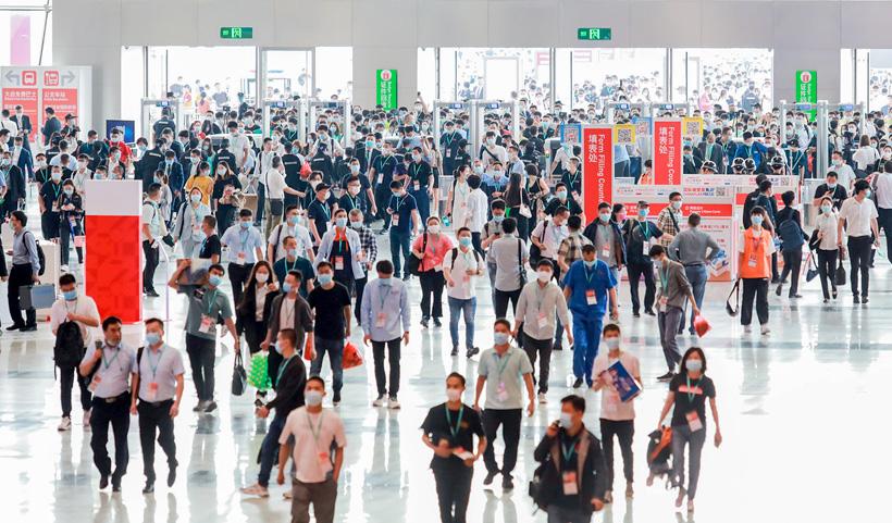 Выставка Chinaplas является крупнейшим отраслевым мероприятием пластмассовой и резинотехнической промышленности в Азии