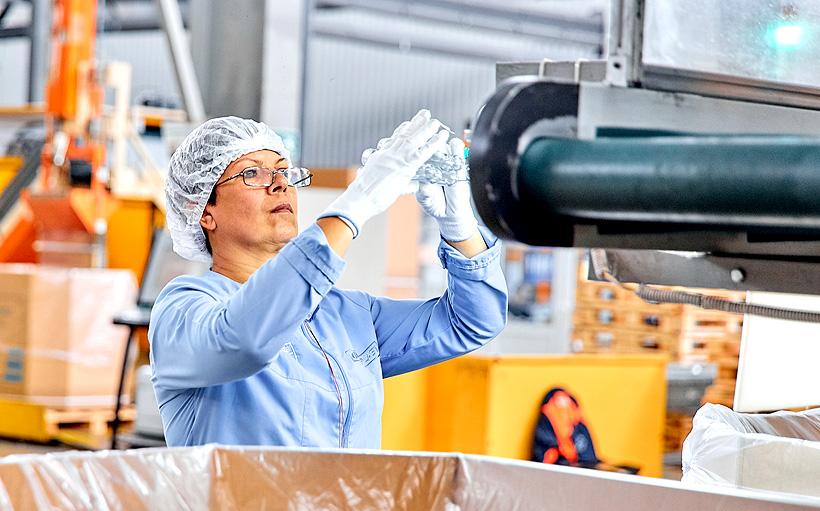 Производство ПЭТ-преформ на заводе «Европласт» во Владивостоке