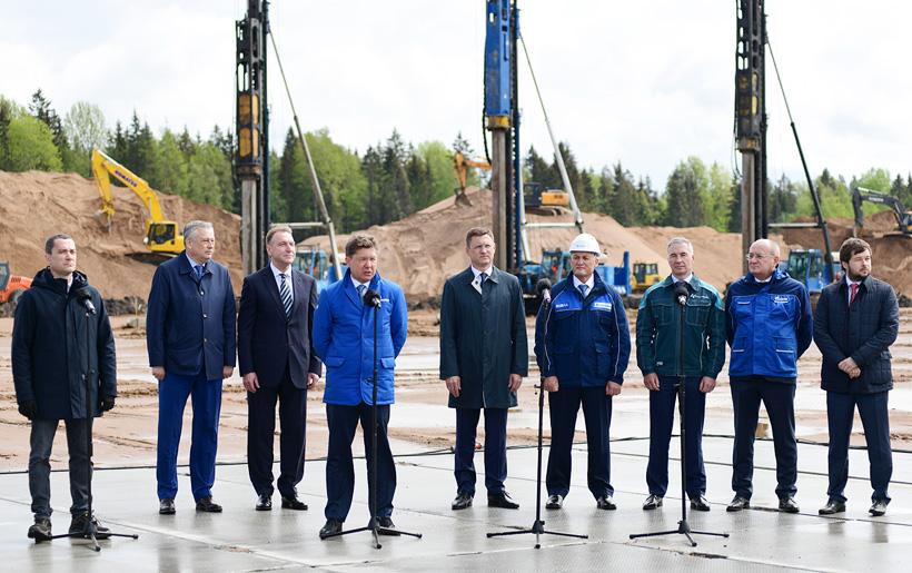 Слева на право: Александр Дрозденко, Игорь Шувалов, Алексей Миллер, Александр Новак дали старт строительству Комплекса по переработке этансодержащего газа в районе Усть-Луги