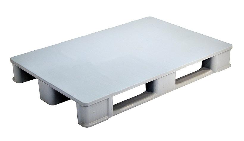 Палета UPAL-U отличается почти полностью закрытой конструкцией и без укрепления металлическими трубками имеет вес около 14 кг