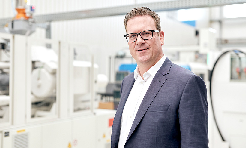 Д-р Фолькер Ниллес (Volker Nilles), исполнительный вице-президент по бизнесу нового оборудования KraussMaffei