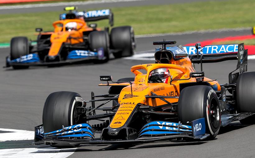 McLaren покрыла детали своего суперкара MCL35M высокотемпературным силиконом производства Akzo Nobel