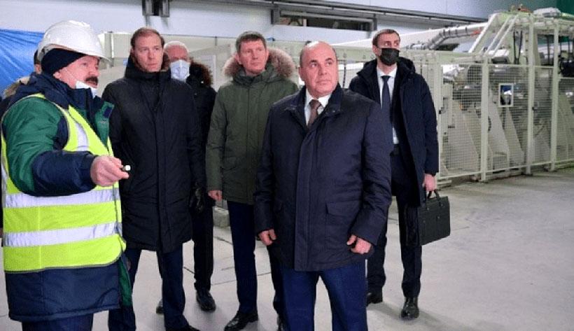 Председатель Правительства РФ Михаил Мишустин совершил рабочую поездку в Псковскую область, в ходе которой посетил территорию ОЭЗ «Моглино» и ознакомился с ходом строительства завода «Титан-Полимер»
