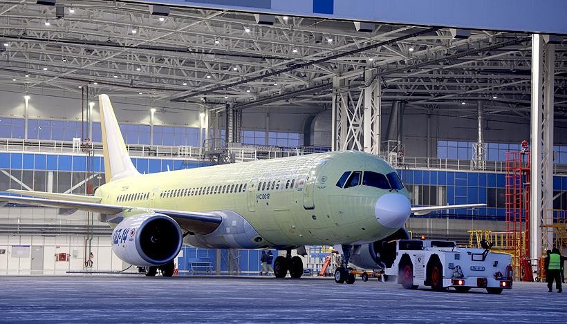 Самолет МС-21-310 с российскими двигателями ПД-14 и российскими композитными деталями