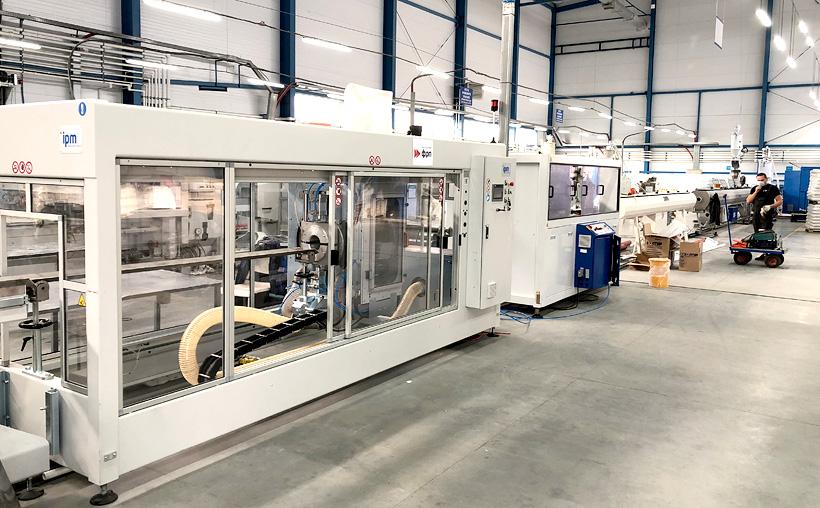 Экструзионная линия для выпуска полимерных труб на заводе «ПК КОНТУР», установленная в рамках федерально-региональной программы «Проекты развития»