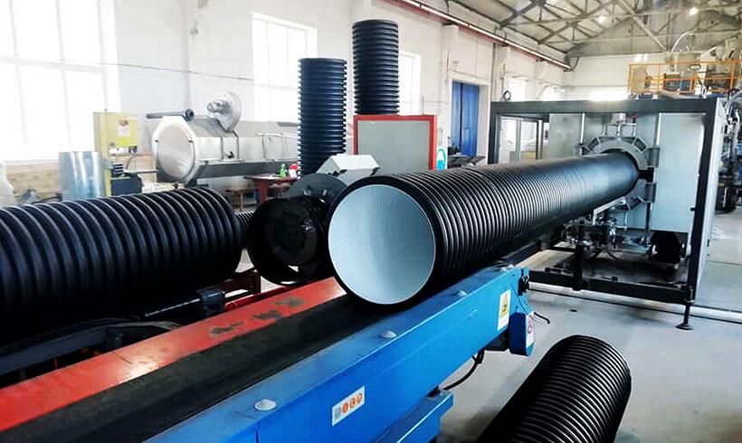 Первая экструзионная линия для выпуска канализационных труб КОРСИС диаметров от 250 до 500 мм установлена на Хабаровском трубном заводе