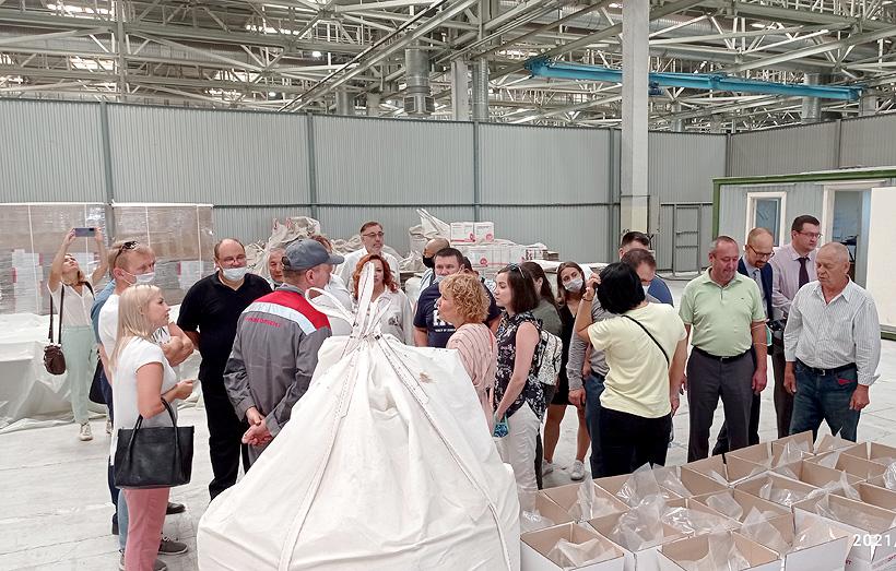 Мероприятие традиционно сопровождалось экскурсиям, которые организаторы провели на производствах по переработке пластмасс