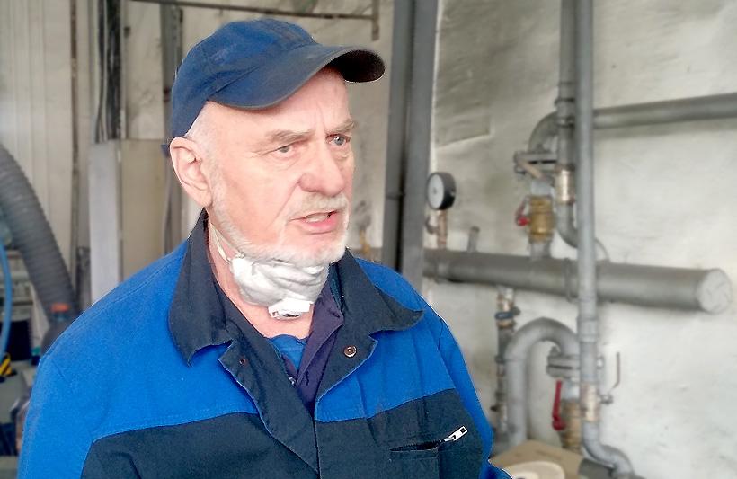 Владимир Дубинец, станочник широкого профиля, мастер-«золотые руки» имеет стаж на площадке НПП «ПОЛИПЛАСТИК» в Энгельсе более 8 лет, а общий трудовой стаж более 55 лет