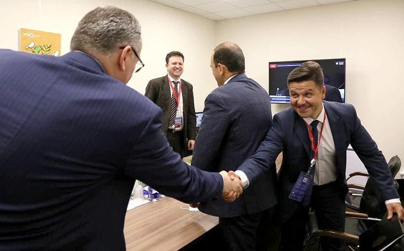 Глава ППК РЭО Денис Буцаев и генеральный директор «ГИДРОМАШ» Александр Пещеров подписали соглашение о сотрудничестве