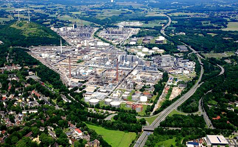 Нефтехимический завод Sabic в германском Гельзенкирхене, где компания налаживает выпуск полимеров по схеме экономики замкнутого цикла
