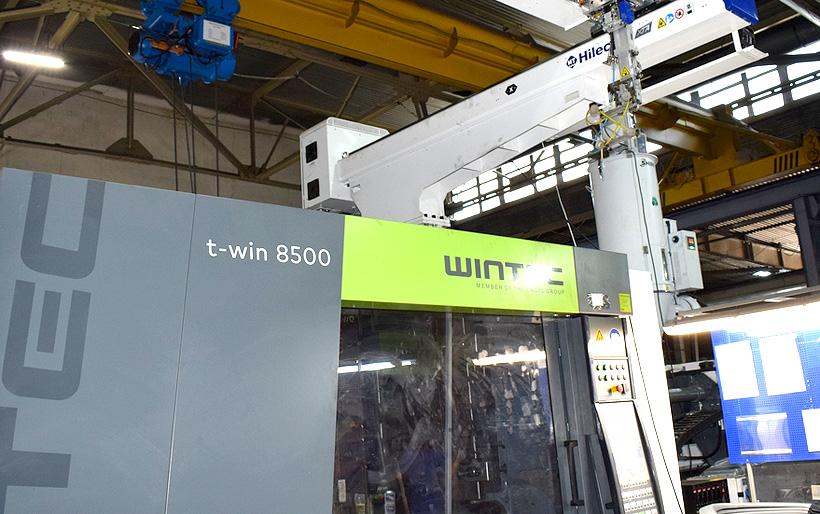 Термопластавтомат WINTEC с усилием запирания 850 т с роботом-манипулятором Haitian введен в строй на предприятии САПТ для производства автокомлектующих