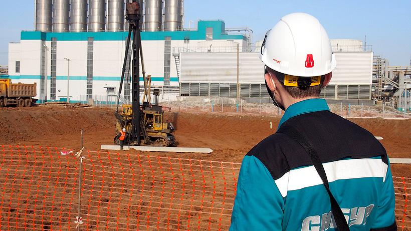 о погружении первой сваи в основание фундамента производства полиэтилентерефталата с содержанием до 25% вторичного ПЭТФ мощностью