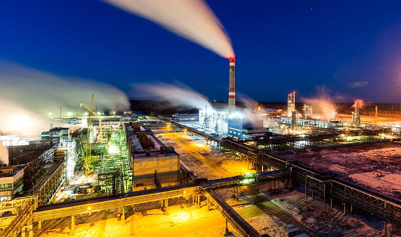 Общий вид производственной площадки «Томскнефтехим» в ноябре 2015 года