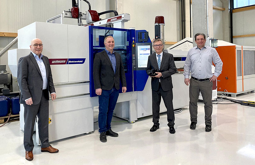 Слева направо: Андреас Шрамм, управляющий директор WITTMANN BATTENFELD Deutschland, Томас Мерц, управляющий директор Procupa, Инго Шварц, управляющий директор Schwarz Plastic Solutions, Готфрид Хаусладен, отдел продаж WITTMANN BATTENFELD Deutschland