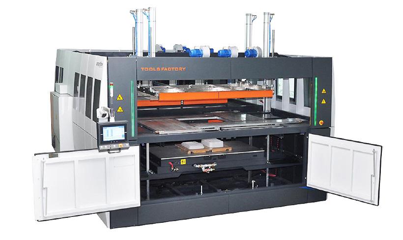 TOOLS FACTORY Универсальные термоформовочные и вакуум-формовочные машины с ручной загрузкой материала в листах.