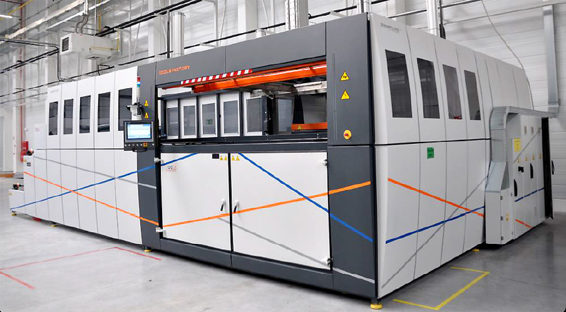 Tools Factory Термоформовочные вакуумные машины c автоматической подачей материала из рулона и выгрузкой готовых изделий